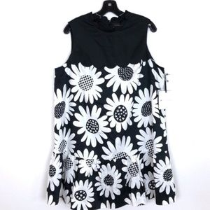 Victoria Beckham Black and white dress. Size XL
